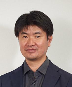 成田 敏博 氏